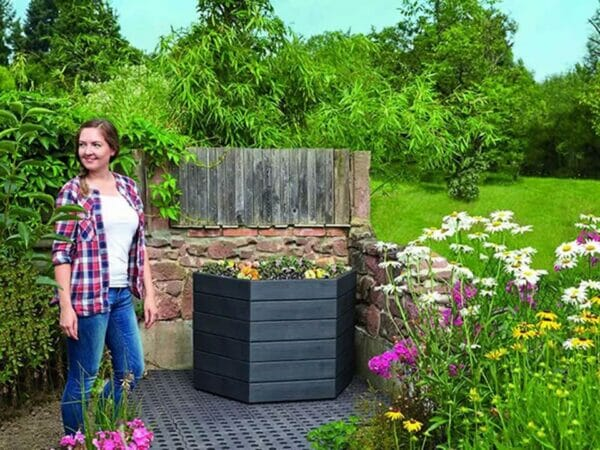 Modular Raised Bed Looks Great Anywhere