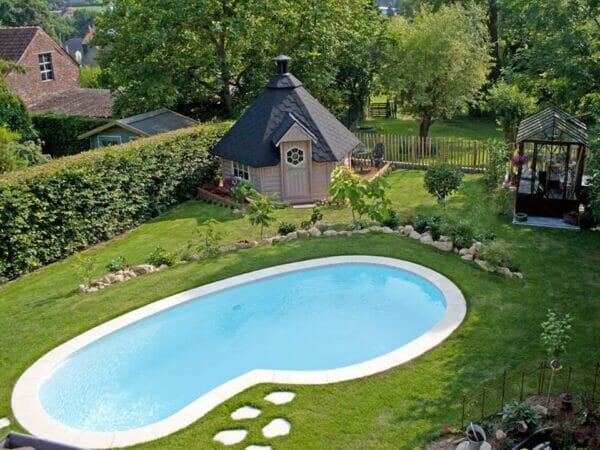 Pool with KOTA Grillhouse