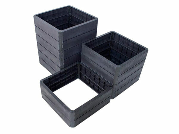 Ergo Quadro Raised Bed Planters Garden Starter Kit is a set of 3 different sizes and heights